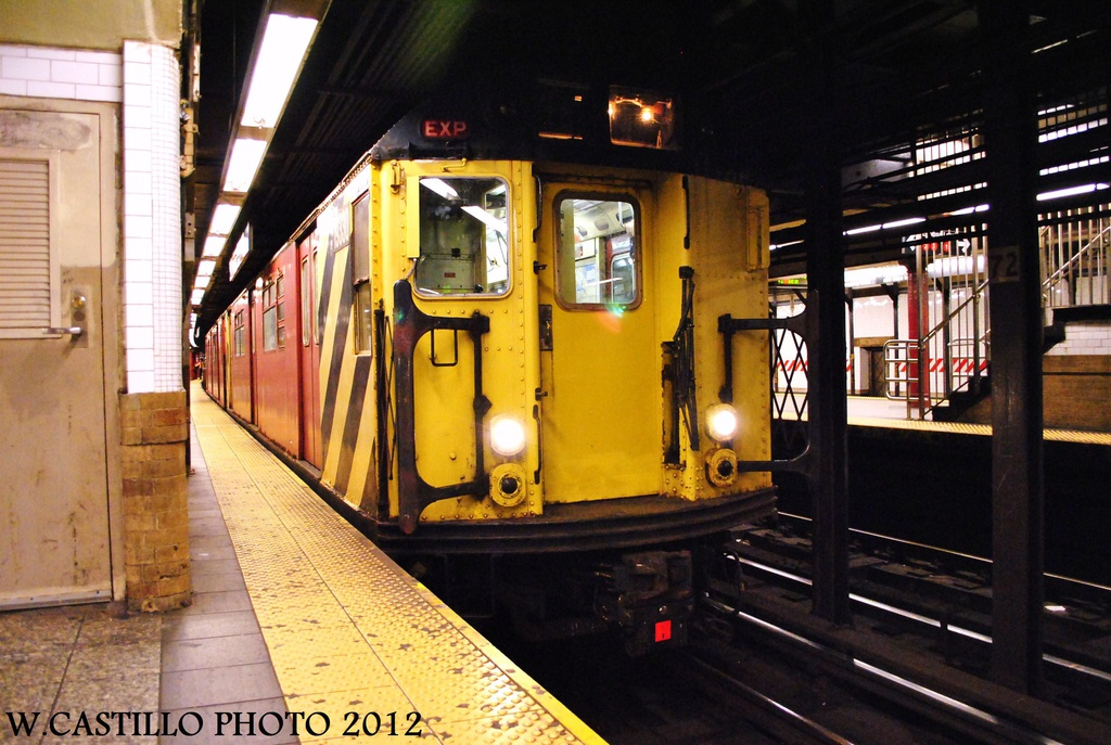 (326k, 1024x687)<br><b>Country:</b> United States<br><b>City:</b> New York<br><b>System:</b> New York City Transit<br><b>Line:</b> IRT West Side Line<br><b>Location:</b> 72nd Street <br><b>Route:</b> Work Service<br><b>Car:</b> R-33 World's Fair (St. Louis, 1963-64) 9330 <br><b>Photo by:</b> Wilfredo Castillo<br><b>Date:</b> 10/14/2012<br><b>Viewed (this week/total):</b> 2 / 354