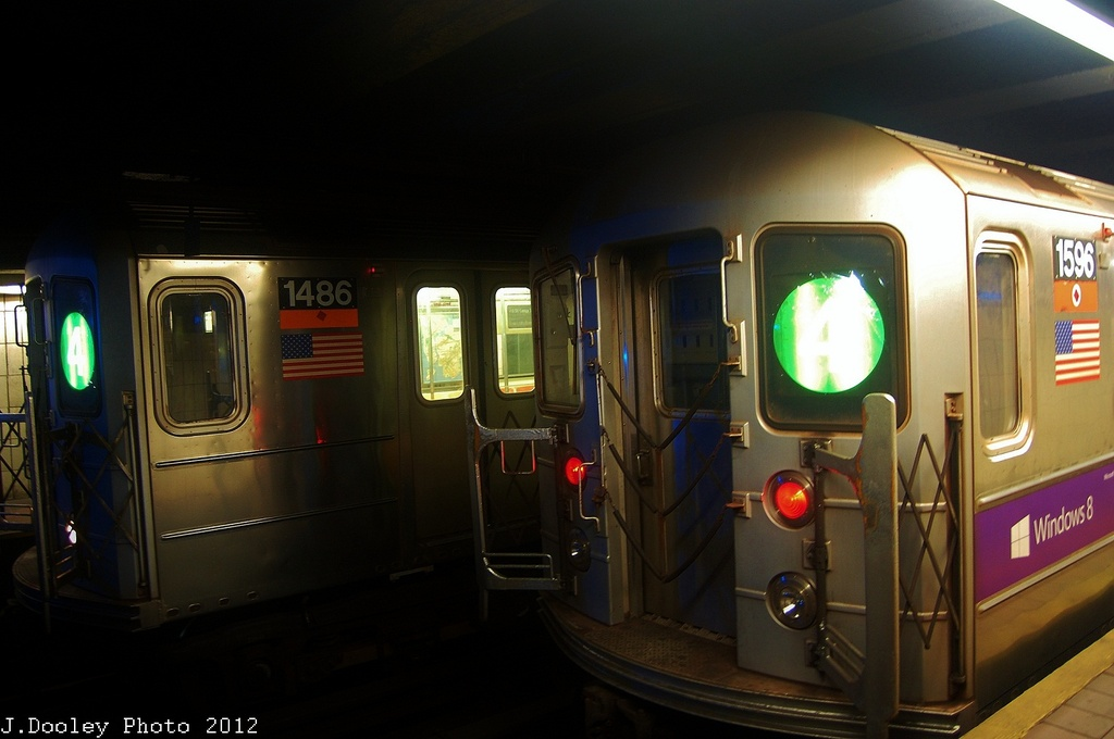 (238k, 1024x680)<br><b>Country:</b> United States<br><b>City:</b> New York<br><b>System:</b> New York City Transit<br><b>Line:</b> IRT Brooklyn Line<br><b>Location:</b> Borough Hall (East Side Branch) <br><b>Route:</b> 4<br><b>Car:</b> R-62 (Kawasaki, 1983-1985)  1486 <br><b>Photo by:</b> John Dooley<br><b>Date:</b> 11/2/2012<br><b>Notes:</b> Post-Sandy: #3 line cars used on #4<br><b>Viewed (this week/total):</b> 4 / 485