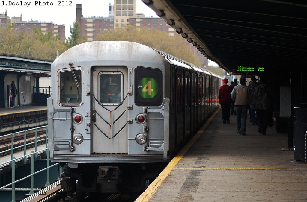 (298k, 1024x675)<br><b>Country:</b> United States<br><b>City:</b> New York<br><b>System:</b> New York City Transit<br><b>Line:</b> IRT Brooklyn Line<br><b>Location:</b> Saratoga Avenue <br><b>Route:</b> 4<br><b>Car:</b> R-62 (Kawasaki, 1983-1985)  1605 <br><b>Photo by:</b> John Dooley<br><b>Date:</b> 11/1/2012<br><b>Notes:</b> Post-Sandy: #3 line cars used on #4<br><b>Viewed (this week/total):</b> 2 / 224