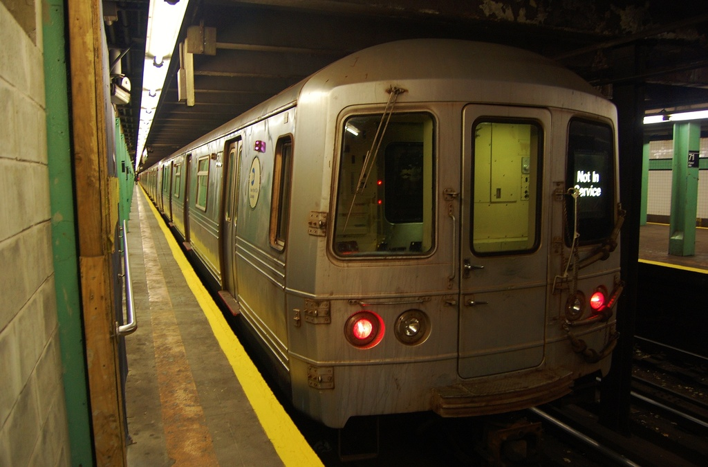 (274k, 1024x675)<br><b>Country:</b> United States<br><b>City:</b> New York<br><b>System:</b> New York City Transit<br><b>Line:</b> IND Queens Boulevard Line<br><b>Location:</b> 71st/Continental Aves./Forest Hills <br><b>Route:</b> Layup<br><b>Car:</b> R-46 (Pullman-Standard, 1974-75) 5780 <br><b>Photo by:</b> John Dooley<br><b>Date:</b> 11/4/2012<br><b>Notes:</b> Post-Sandy layup<br><b>Viewed (this week/total):</b> 1 / 295