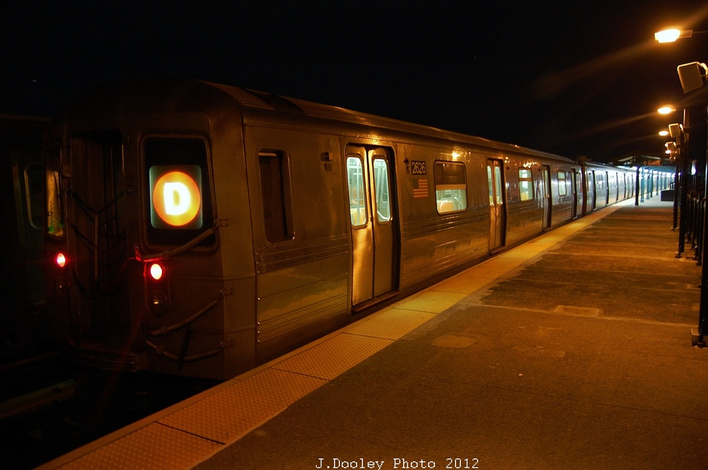 (269k, 1024x680)<br><b>Country:</b> United States<br><b>City:</b> New York<br><b>System:</b> New York City Transit<br><b>Line:</b> BMT West End Line<br><b>Location:</b> 55th Street <br><b>Route:</b> D<br><b>Car:</b> R-68 (Westinghouse-Amrail, 1986-1988)  2626 <br><b>Photo by:</b> John Dooley<br><b>Date:</b> 11/2/2012<br><b>Viewed (this week/total):</b> 0 / 746