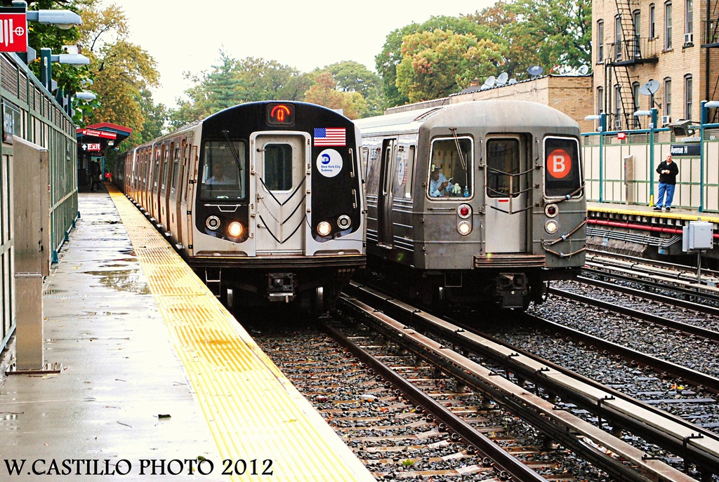 (442k, 1024x687)<br><b>Country:</b> United States<br><b>City:</b> New York<br><b>System:</b> New York City Transit<br><b>Line:</b> BMT Brighton Line<br><b>Location:</b> Avenue H <br><b>Route:</b> Q<br><b>Car:</b> R-160A/R-160B Series (Number Unknown)  <br><b>Photo by:</b> Wilfredo Castillo<br><b>Date:</b> 10/19/2012<br><b>Notes:</b> With R-68 on B<br><b>Viewed (this week/total):</b> 18 / 1026