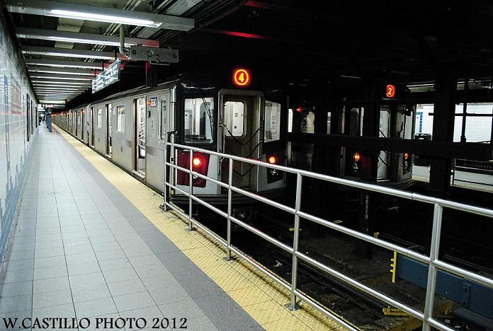 (125k, 696x468)<br><b>Country:</b> United States<br><b>City:</b> New York<br><b>System:</b> New York City Transit<br><b>Line:</b> IRT Brooklyn Line<br><b>Location:</b> Flatbush Avenue <br><b>Route:</b> 4/2<br><b>Car:</b> R-142 or R-142A (Number Unknown)  <br><b>Photo by:</b> Wilfredo Castillo<br><b>Date:</b> 10/22/2012<br><b>Viewed (this week/total):</b> 0 / 1441