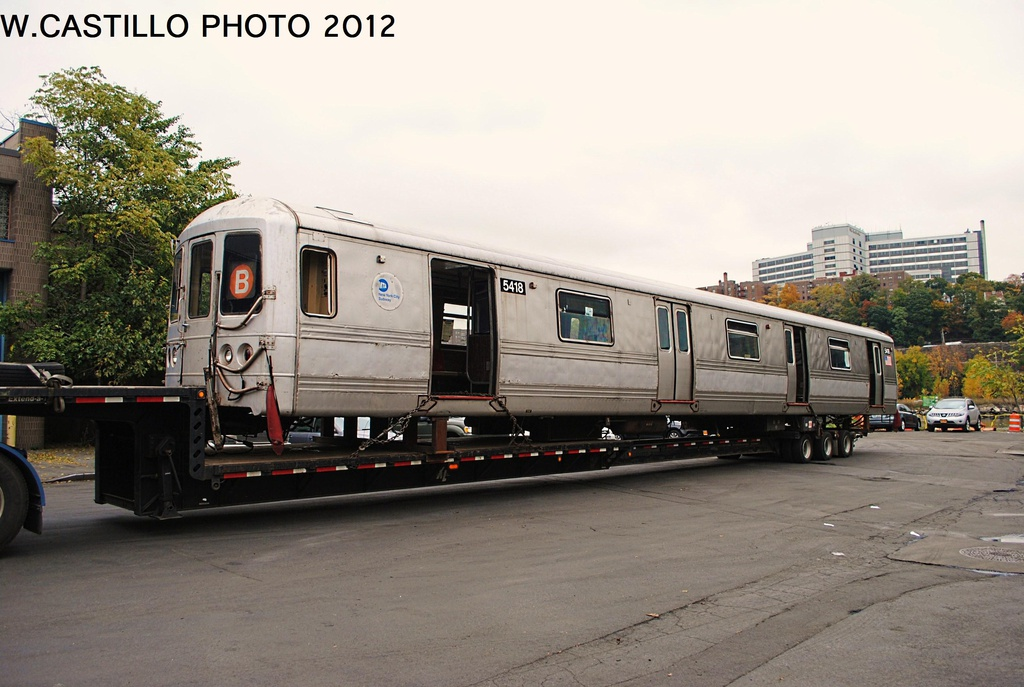 (285k, 1024x687)<br><b>Country:</b> United States<br><b>City:</b> New York<br><b>System:</b> New York City Transit<br><b>Location:</b> 207th Street Yard<br><b>Car:</b> R-44 (St. Louis, 1971-73) 5418 <br><b>Photo by:</b> Wilfredo Castillo<br><b>Date:</b> 10/26/2012<br><b>Notes:</b> Scrapping<br><b>Viewed (this week/total):</b> 1 / 917