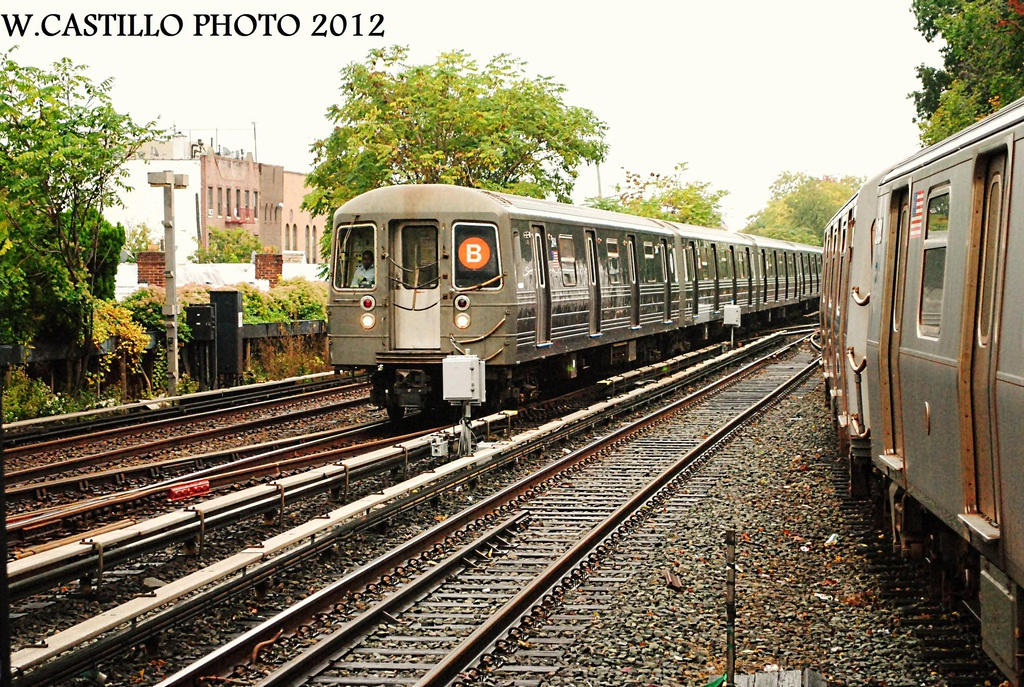 (458k, 1024x687)<br><b>Country:</b> United States<br><b>City:</b> New York<br><b>System:</b> New York City Transit<br><b>Line:</b> BMT Brighton Line<br><b>Location:</b> Kings Highway <br><b>Route:</b> B<br><b>Car:</b> R-68 (Westinghouse-Amrail, 1986-1988)  2844 <br><b>Photo by:</b> Wilfredo Castillo<br><b>Date:</b> 10/19/2012<br><b>Viewed (this week/total):</b> 1 / 223