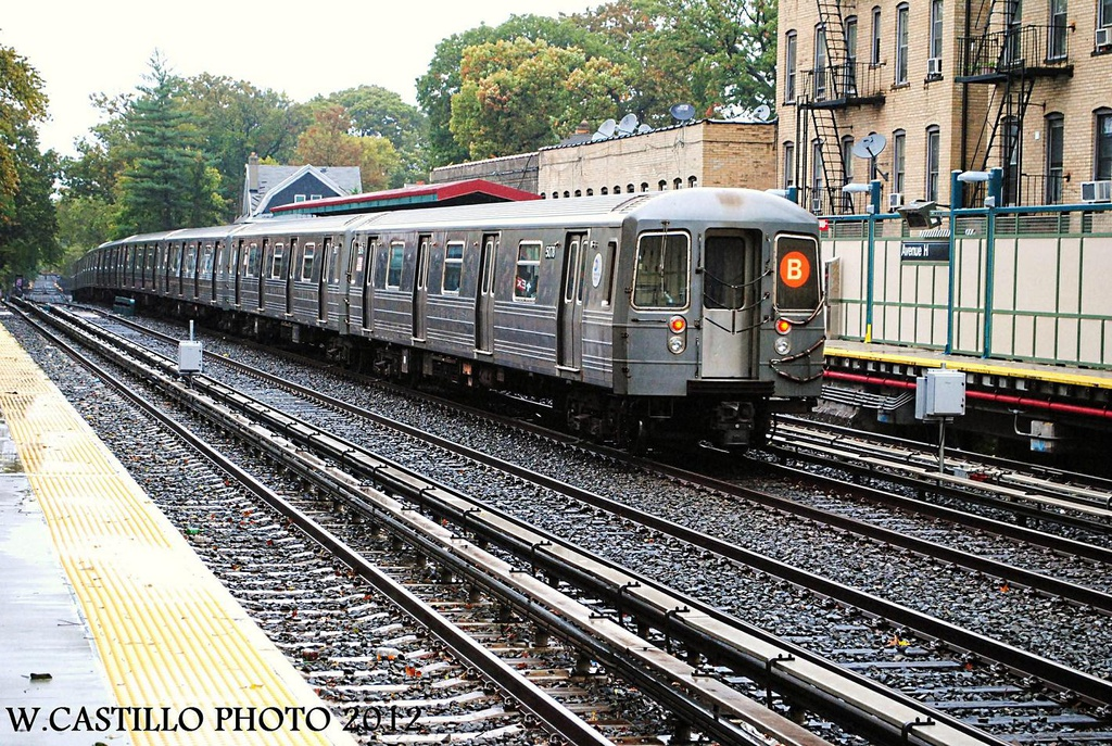(479k, 1024x687)<br><b>Country:</b> United States<br><b>City:</b> New York<br><b>System:</b> New York City Transit<br><b>Line:</b> BMT Brighton Line<br><b>Location:</b> Avenue H <br><b>Route:</b> B<br><b>Car:</b> R-68A (Kawasaki, 1988-1989)  5078 <br><b>Photo by:</b> Wilfredo Castillo<br><b>Date:</b> 10/19/2012<br><b>Viewed (this week/total):</b> 2 / 367