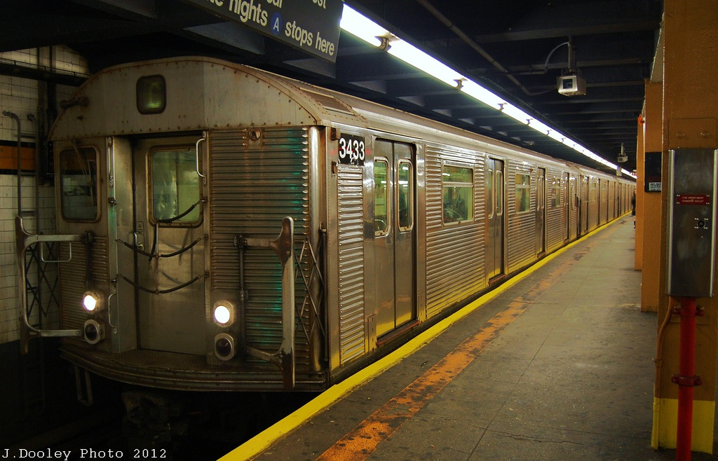 (316k, 1024x658)<br><b>Country:</b> United States<br><b>City:</b> New York<br><b>System:</b> New York City Transit<br><b>Line:</b> IND 8th Avenue Line<br><b>Location:</b> 145th Street <br><b>Route:</b> C<br><b>Car:</b> R-32 (Budd, 1964)  3433 <br><b>Photo by:</b> John Dooley<br><b>Date:</b> 11/13/2012<br><b>Viewed (this week/total):</b> 0 / 296