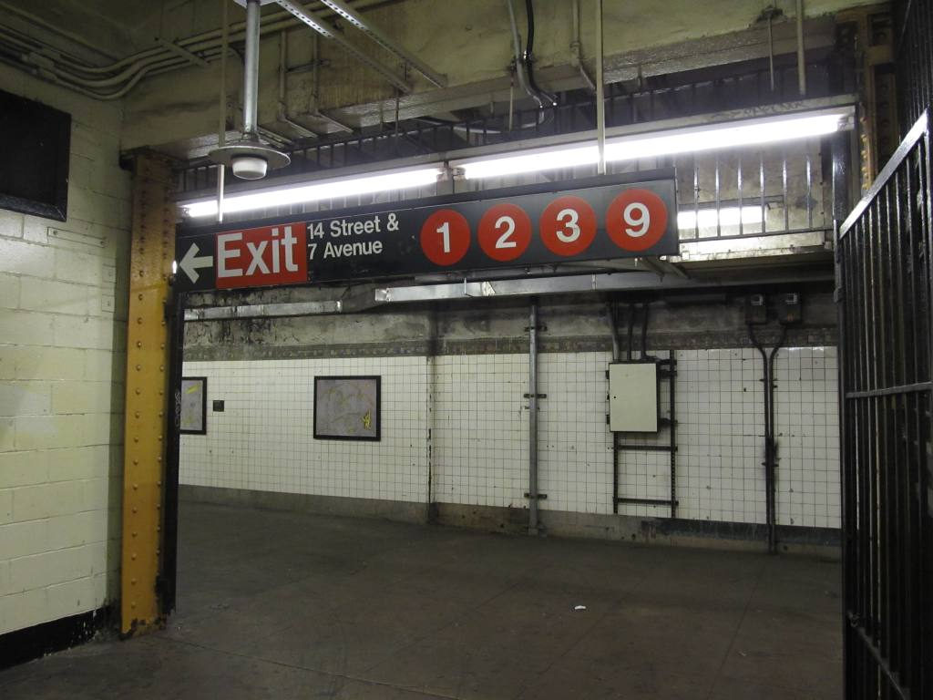 (100k, 1024x768)<br><b>Country:</b> United States<br><b>City:</b> New York<br><b>System:</b> New York City Transit<br><b>Line:</b> IND 6th Avenue Line<br><b>Location:</b> 14th Street <br><b>Photo by:</b> Robbie Rosenfeld<br><b>Date:</b> 11/8/2012<br><b>Notes:</b> Transfer to 7th Ave lines.<br><b>Viewed (this week/total):</b> 8 / 973