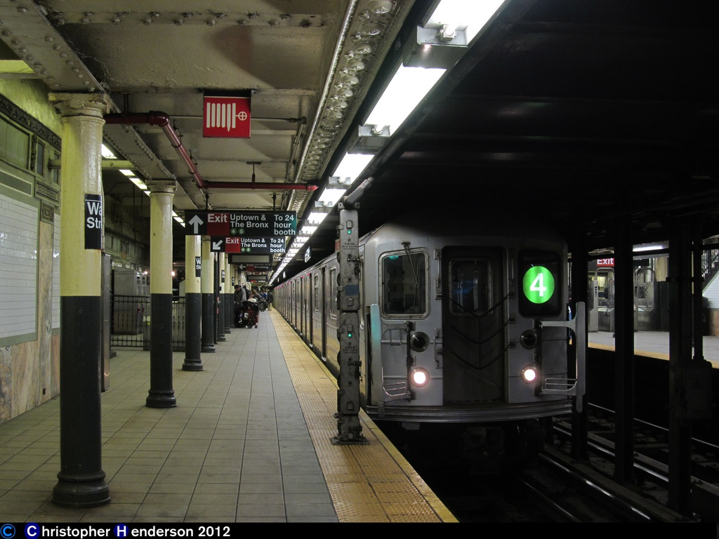 (241k, 1024x768)<br><b>Country:</b> United States<br><b>City:</b> New York<br><b>System:</b> New York City Transit<br><b>Line:</b> IRT East Side Line<br><b>Location:</b> Wall Street <br><b>Route:</b> 4<br><b>Car:</b> R-62 (Kawasaki, 1983-1985)   <br><b>Photo by:</b> Christopher Henderson<br><b>Date:</b> 11/3/2012<br><b>Viewed (this week/total):</b> 5 / 1301