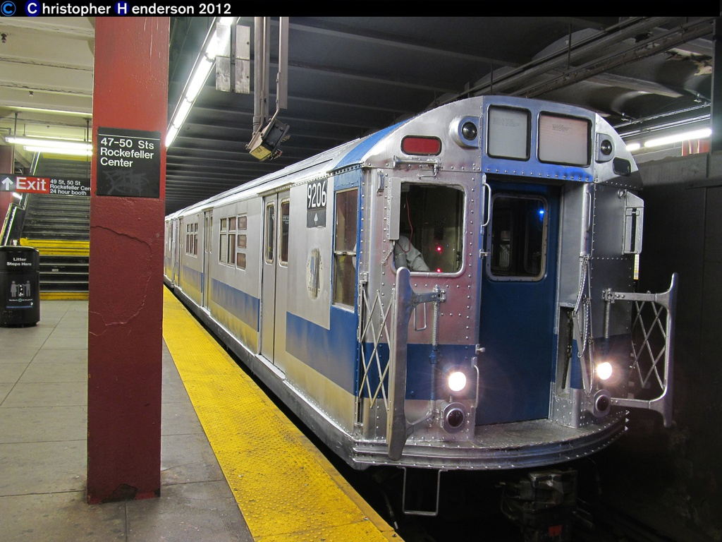 (286k, 1024x768)<br><b>Country:</b> United States<br><b>City:</b> New York<br><b>System:</b> New York City Transit<br><b>Line:</b> IND 6th Avenue Line<br><b>Location:</b> 47-50th Street/Rockefeller Center <br><b>Route:</b> Work Service<br><b>Car:</b> R-33 Main Line (St. Louis, 1962-63) 9206 <br><b>Photo by:</b> Christopher Henderson<br><b>Date:</b> 11/15/2012<br><b>Viewed (this week/total):</b> 2 / 790
