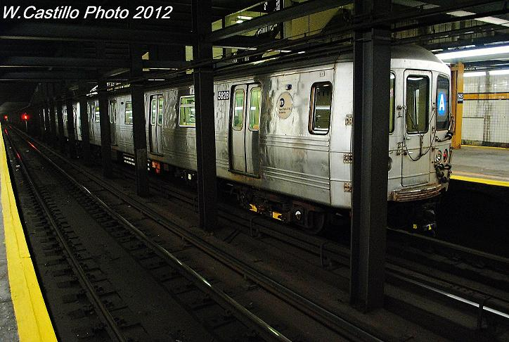 (104k, 724x486)<br><b>Country:</b> United States<br><b>City:</b> New York<br><b>System:</b> New York City Transit<br><b>Line:</b> IND 8th Avenue Line<br><b>Location:</b> 145th Street <br><b>Route:</b> A<br><b>Car:</b> R-46 (Pullman-Standard, 1974-75) 5828 <br><b>Photo by:</b> Wilfredo Castillo<br><b>Date:</b> 11/13/2012<br><b>Viewed (this week/total):</b> 0 / 816