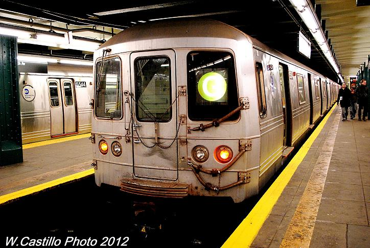 (111k, 724x486)<br><b>Country:</b> United States<br><b>City:</b> New York<br><b>System:</b> New York City Transit<br><b>Line:</b> IND Crosstown Line<br><b>Location:</b> Bedford/Nostrand Aves. <br><b>Route:</b> G layup<br><b>Car:</b> R-46 (Pullman-Standard, 1974-75) 5534 <br><b>Photo by:</b> Wilfredo Castillo<br><b>Date:</b> 11/17/2012<br><b>Notes:</b> 8-car trains of R-46 cars after Sandy<br><b>Viewed (this week/total):</b> 1 / 819