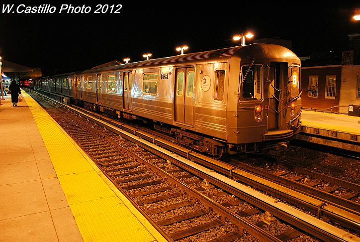 (121k, 724x486)<br><b>Country:</b> United States<br><b>City:</b> New York<br><b>System:</b> New York City Transit<br><b>Line:</b> BMT Brighton Line<br><b>Location:</b> Kings Highway <br><b>Route:</b> B<br><b>Car:</b> R-68A (Kawasaki, 1988-1989)  5128 <br><b>Photo by:</b> Wilfredo Castillo<br><b>Date:</b> 12/5/2012<br><b>Viewed (this week/total):</b> 4 / 724