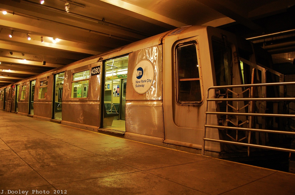 (318k, 1024x678)<br><b>Country:</b> United States<br><b>City:</b> New York<br><b>System:</b> New York City Transit<br><b>Location:</b> New York Transit Museum<br><b>Car:</b> R-40 (St. Louis, 1968)  4280 <br><b>Photo by:</b> John Dooley<br><b>Date:</b> 12/30/2012<br><b>Viewed (this week/total):</b> 4 / 461