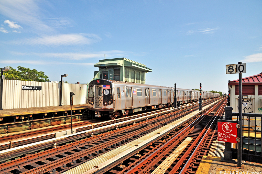 (478k, 1024x680)<br><b>Country:</b> United States<br><b>City:</b> New York<br><b>System:</b> New York City Transit<br><b>Line:</b> BMT Culver Line<br><b>Location:</b> Ditmas Avenue <br><b>Route:</b> F<br><b>Car:</b> R-160A (Option 1) (Alstom, 2008-2009, 5 car sets)  9268 <br><b>Photo by:</b> Zach Summer<br><b>Date:</b> 6/30/2012<br><b>Viewed (this week/total):</b> 0 / 494