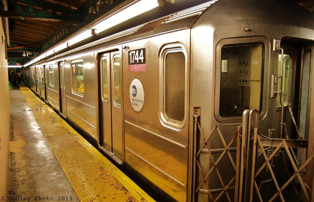 (345k, 1024x660)<br><b>Country:</b> United States<br><b>City:</b> New York<br><b>System:</b> New York City Transit<br><b>Line:</b> IRT Pelham Line<br><b>Location:</b> Pelham Bay Park <br><b>Route:</b> 6<br><b>Car:</b> R-62A (Bombardier, 1984-1987)  1744 <br><b>Photo by:</b> John Dooley<br><b>Date:</b> 1/11/2013<br><b>Viewed (this week/total):</b> 0 / 391