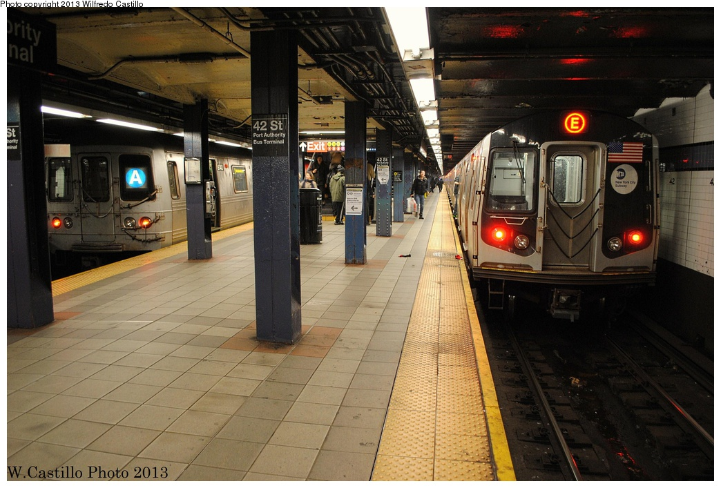 (324k, 1044x707)<br><b>Country:</b> United States<br><b>City:</b> New York<br><b>System:</b> New York City Transit<br><b>Line:</b> IND 8th Avenue Line<br><b>Location:</b> 42nd Street/Port Authority Bus Terminal <br><b>Route:</b> A<br><b>Car:</b> R-46 (Pullman-Standard, 1974-75) 6140 <br><b>Photo by:</b> Wilfredo Castillo<br><b>Date:</b> 12/29/2012<br><b>Notes:</b> With R-160 on E<br><b>Viewed (this week/total):</b> 0 / 510