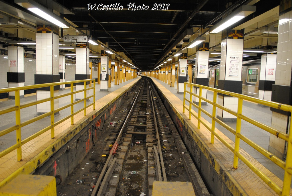 (341k, 1024x687)<br><b>Country:</b> United States<br><b>City:</b> New York<br><b>System:</b> New York City Transit<br><b>Line:</b> IRT Flushing Line<br><b>Location:</b> Main Street/Flushing <br><b>Photo by:</b> Wilfredo Castillo<br><b>Date:</b> 2/28/2013<br><b>Viewed (this week/total):</b> 2 / 662