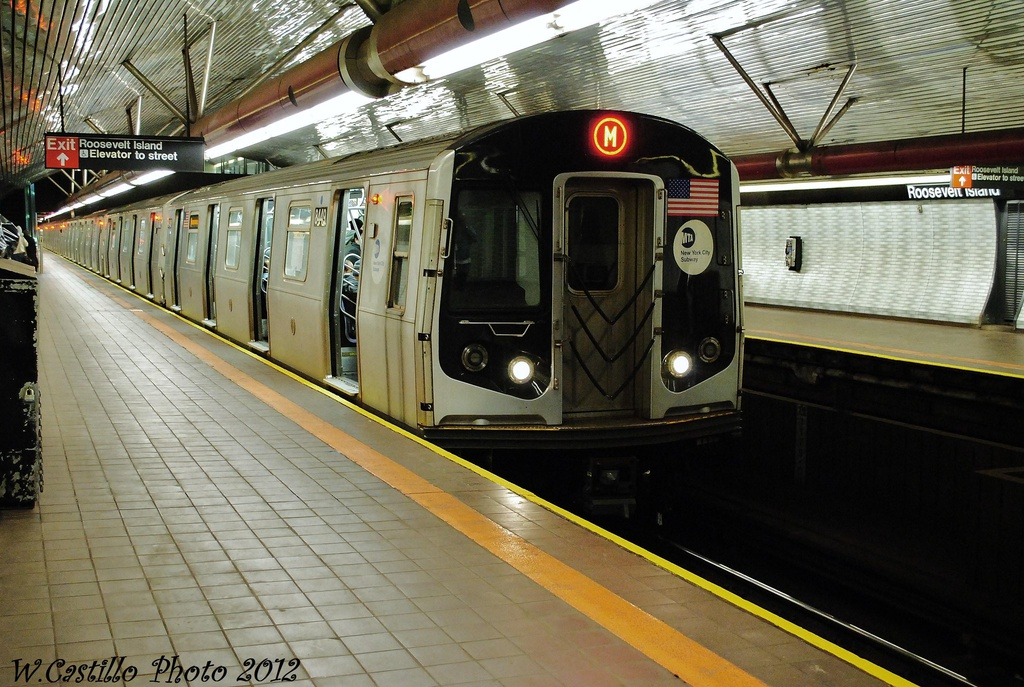 (352k, 1024x687)<br><b>Country:</b> United States<br><b>City:</b> New York<br><b>System:</b> New York City Transit<br><b>Line:</b> IND 63rd Street<br><b>Location:</b> Roosevelt Island <br><b>Route:</b> M<br><b>Car:</b> R-160A-1 (Alstom, 2005-2008, 4 car sets)  8449 <br><b>Photo by:</b> Wilfredo Castillo<br><b>Date:</b> 11/4/2012<br><b>Viewed (this week/total):</b> 0 / 829