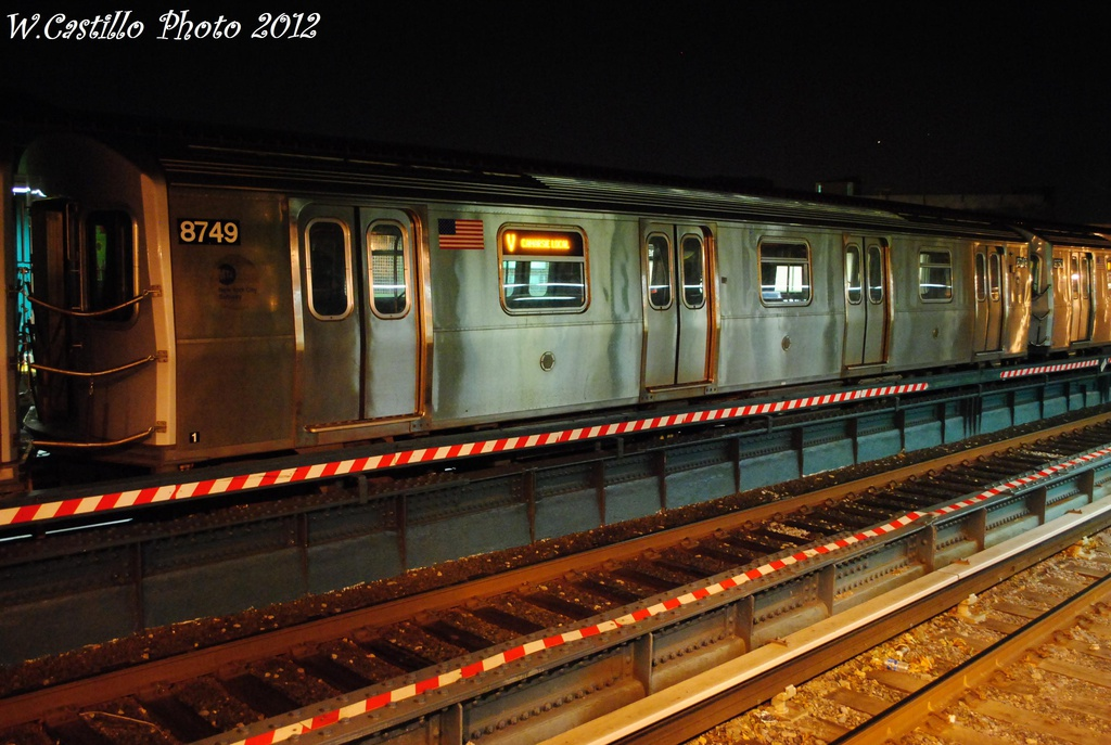 (303k, 1024x687)<br><b>Country:</b> United States<br><b>City:</b> New York<br><b>System:</b> New York City Transit<br><b>Line:</b> BMT Brighton Line<br><b>Location:</b> Avenue U <br><b>Route:</b> Layup<br><b>Car:</b> R-160B (Kawasaki, 2005-2008)  8749 <br><b>Photo by:</b> Wilfredo Castillo<br><b>Date:</b> 11/11/2012<br><b>Viewed (this week/total):</b> 2 / 152
