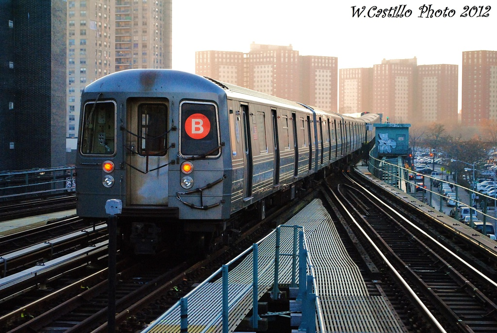 (362k, 1024x687)<br><b>Country:</b> United States<br><b>City:</b> New York<br><b>System:</b> New York City Transit<br><b>Line:</b> BMT Brighton Line<br><b>Location:</b> Ocean Parkway <br><b>Route:</b> B<br><b>Car:</b> R-68A (Kawasaki, 1988-1989)  5120 <br><b>Photo by:</b> Wilfredo Castillo<br><b>Date:</b> 11/11/2012<br><b>Viewed (this week/total):</b> 14 / 572