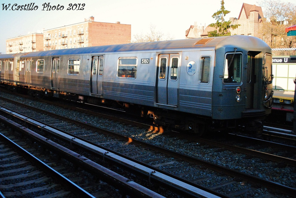 (340k, 1024x687)<br><b>Country:</b> United States<br><b>City:</b> New York<br><b>System:</b> New York City Transit<br><b>Line:</b> BMT Brighton Line<br><b>Location:</b> Avenue U <br><b>Route:</b> B<br><b>Car:</b> R-68A (Kawasaki, 1988-1989)  5160 <br><b>Photo by:</b> Wilfredo Castillo<br><b>Date:</b> 11/11/2012<br><b>Viewed (this week/total):</b> 2 / 349