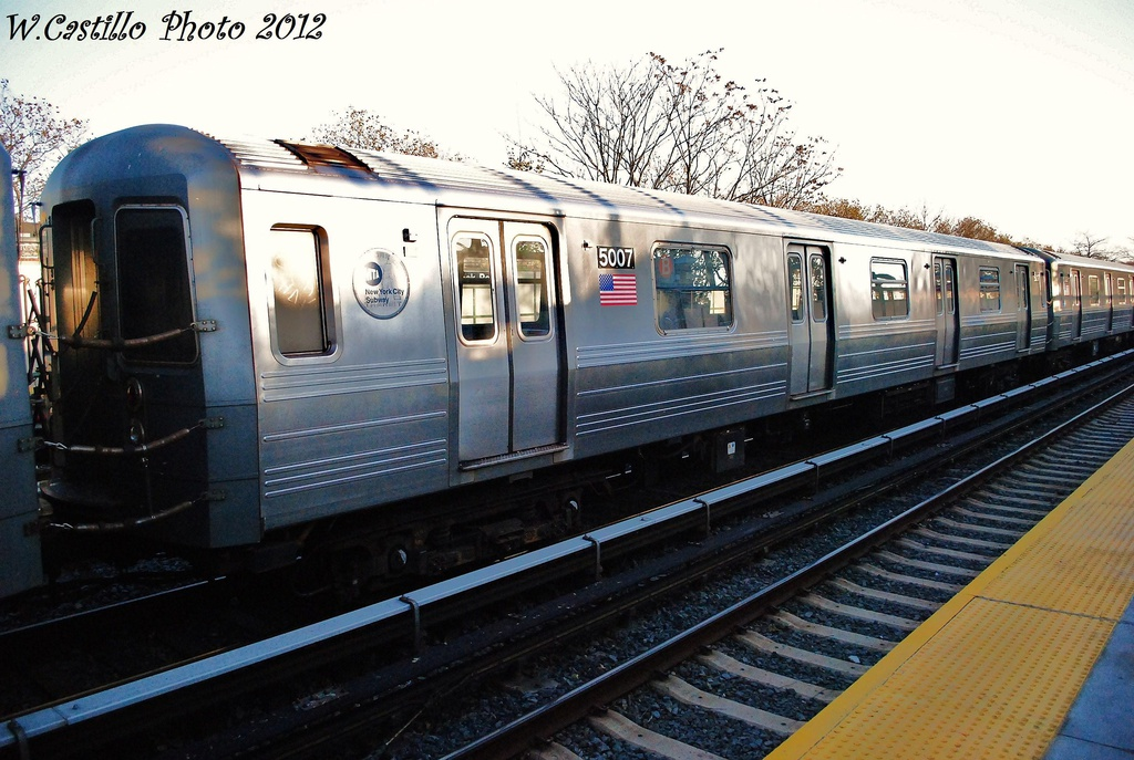 (321k, 1024x687)<br><b>Country:</b> United States<br><b>City:</b> New York<br><b>System:</b> New York City Transit<br><b>Line:</b> BMT Brighton Line<br><b>Location:</b> Neck Road <br><b>Route:</b> B<br><b>Car:</b> R-68A (Kawasaki, 1988-1989)  5007 <br><b>Photo by:</b> Wilfredo Castillo<br><b>Date:</b> 11/11/2012<br><b>Viewed (this week/total):</b> 0 / 106