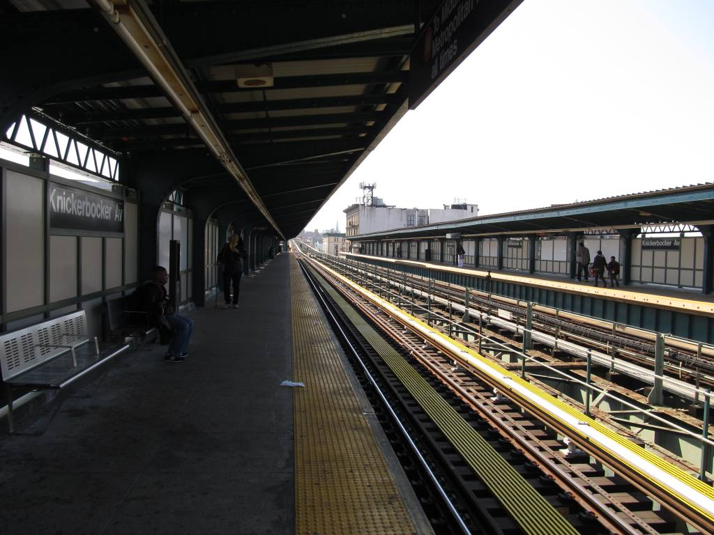 (124k, 1024x768)<br><b>Country:</b> United States<br><b>City:</b> New York<br><b>System:</b> New York City Transit<br><b>Line:</b> BMT Myrtle Avenue Line<br><b>Location:</b> Knickerbocker Avenue <br><b>Photo by:</b> Robbie Rosenfeld<br><b>Date:</b> 4/24/2013<br><b>Viewed (this week/total):</b> 3 / 510