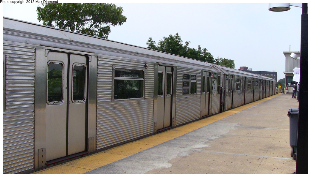 (267k, 1044x596)<br><b>Country:</b> United States<br><b>City:</b> New York<br><b>System:</b> New York City Transit<br><b>Line:</b> IND Rockaway<br><b>Location:</b> Mott Avenue/Far Rockaway <br><b>Route:</b> A<br><b>Car:</b> R-32 (Budd, 1964)  3501 <br><b>Photo by:</b> Max Diamond<br><b>Date:</b> 6/22/2012<br><b>Viewed (this week/total):</b> 0 / 683
