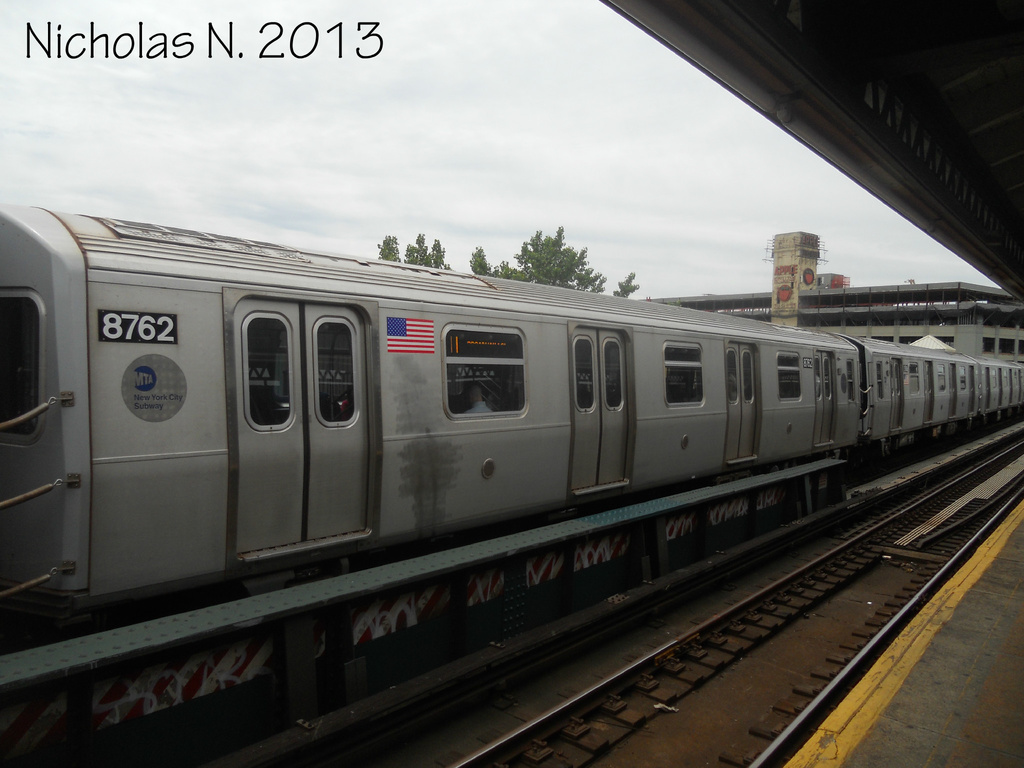 (254k, 1024x768)<br><b>Country:</b> United States<br><b>City:</b> New York<br><b>System:</b> New York City Transit<br><b>Line:</b> BMT Astoria Line<br><b>Location:</b> 39th/Beebe Aves. <br><b>Route:</b> N<br><b>Car:</b> R-160B (Kawasaki, 2005-2008)  8762 <br><b>Photo by:</b> Nicholas Noel<br><b>Date:</b> 6/2013<br><b>Viewed (this week/total):</b> 0 / 182