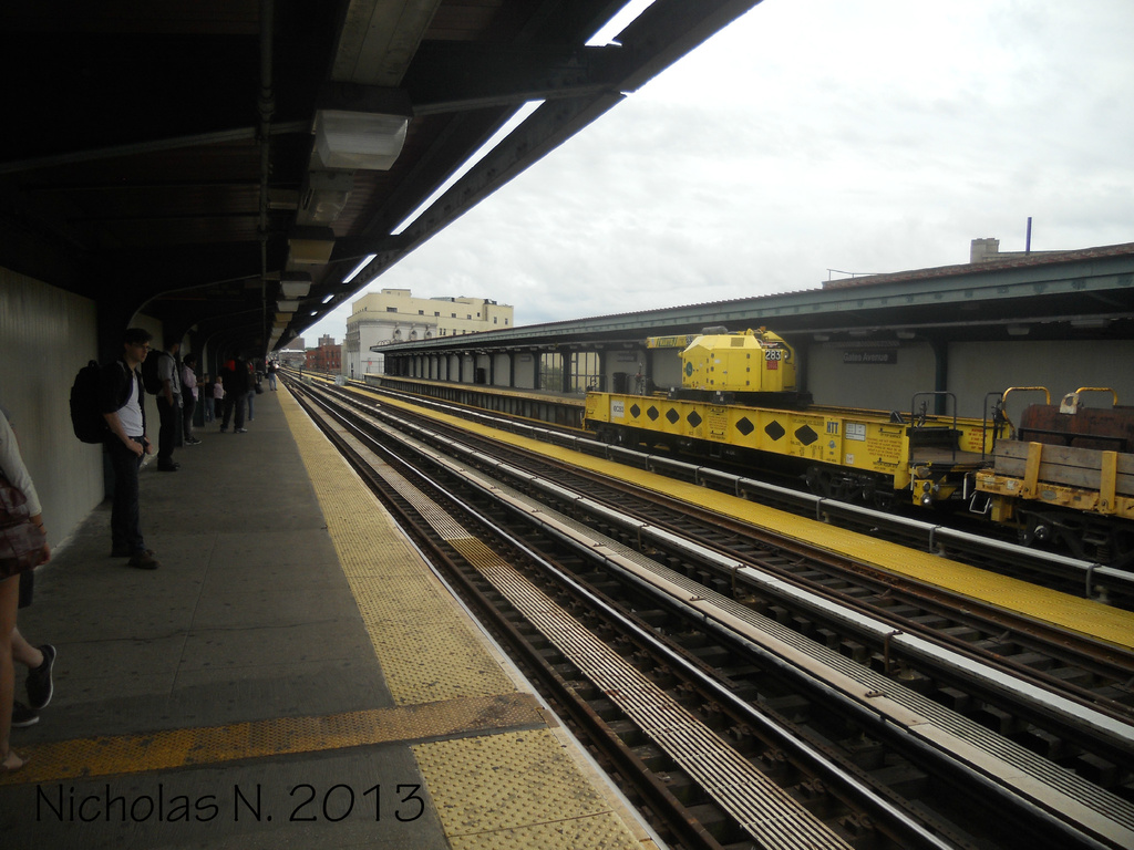 (328k, 1024x768)<br><b>Country:</b> United States<br><b>City:</b> New York<br><b>System:</b> New York City Transit<br><b>Line:</b> BMT Nassau Street/Jamaica Line<br><b>Location:</b> Gates Avenue <br><b>Route:</b> Work Service<br><b>Car:</b> R-162 Crane Car  283 <br><b>Photo by:</b> Nicholas Noel<br><b>Date:</b> 6/2013<br><b>Viewed (this week/total):</b> 4 / 628