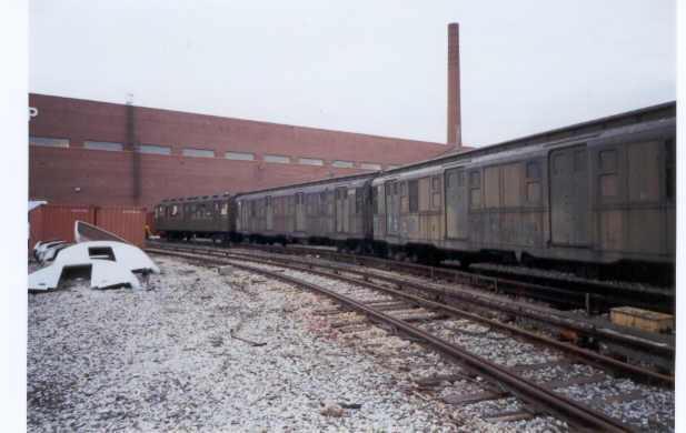 (28k, 617x390)<br><b>Country:</b> United States<br><b>City:</b> New York<br><b>System:</b> New York City Transit<br><b>Location:</b> Coney Island Yard-Museum Yard<br><b>Car:</b> R-6-3 (American Car & Foundry, 1935)  923 <br><b>Photo by:</b> Neil Sullivan<br><b>Date:</b> 2000<br><b>Notes:</b> With R6 925<br><b>Viewed (this week/total):</b> 0 / 4572
