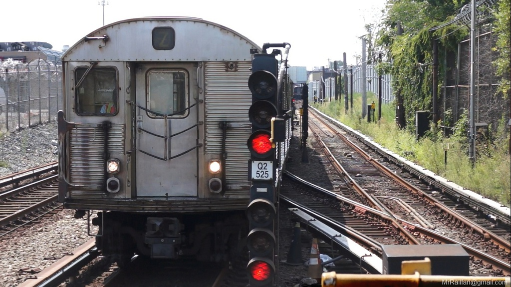 (251k, 1024x575)<br><b>Country:</b> United States<br><b>City:</b> New York<br><b>System:</b> New York City Transit<br><b>Line:</b> BMT Canarsie Line<br><b>Location:</b> East 105th Street <br><b>Car:</b> R-32 (Budd, 1964)  3477 <br><b>Photo by:</b> Mr. Railfan <br><b>Date:</b> 10/23/2012<br><b>Viewed (this week/total):</b> 5 / 615
