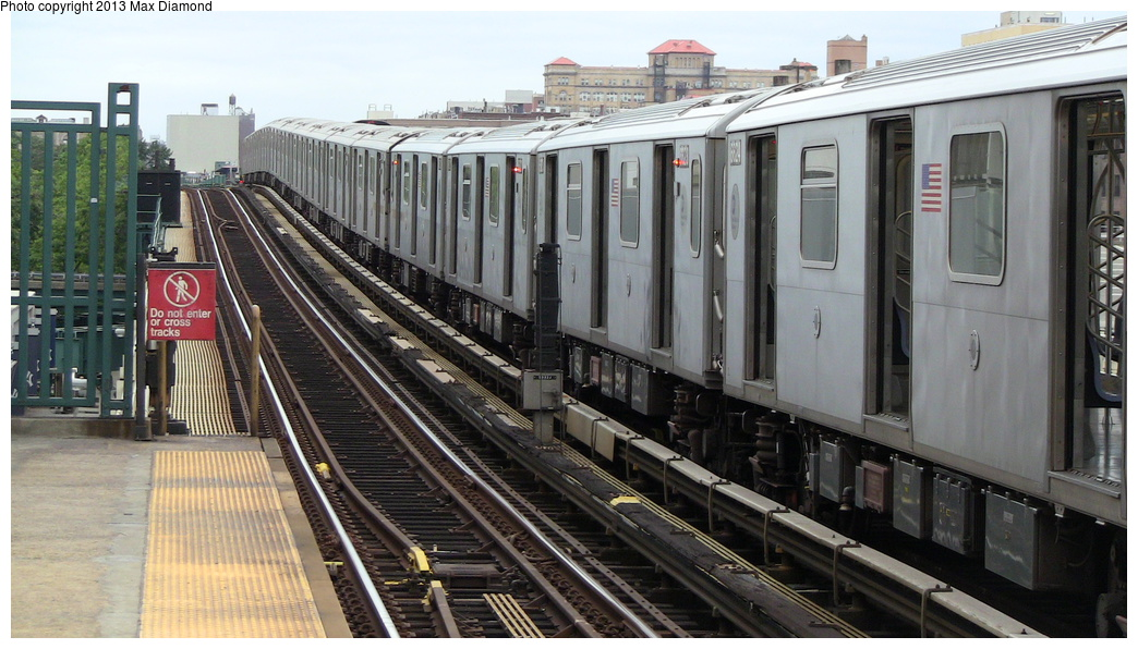 (291k, 1044x596)<br><b>Country:</b> United States<br><b>City:</b> New York<br><b>System:</b> New York City Transit<br><b>Line:</b> IRT Woodlawn Line<br><b>Location:</b> 161st Street/River Avenue (Yankee Stadium) <br><b>Route:</b> Layup<br><b>Car:</b> R-142 (Primary Order, Bombardier, 1999-2002)  6640 <br><b>Photo by:</b> Max Diamond<br><b>Date:</b> 7/25/2013<br><b>Viewed (this week/total):</b> 0 / 406