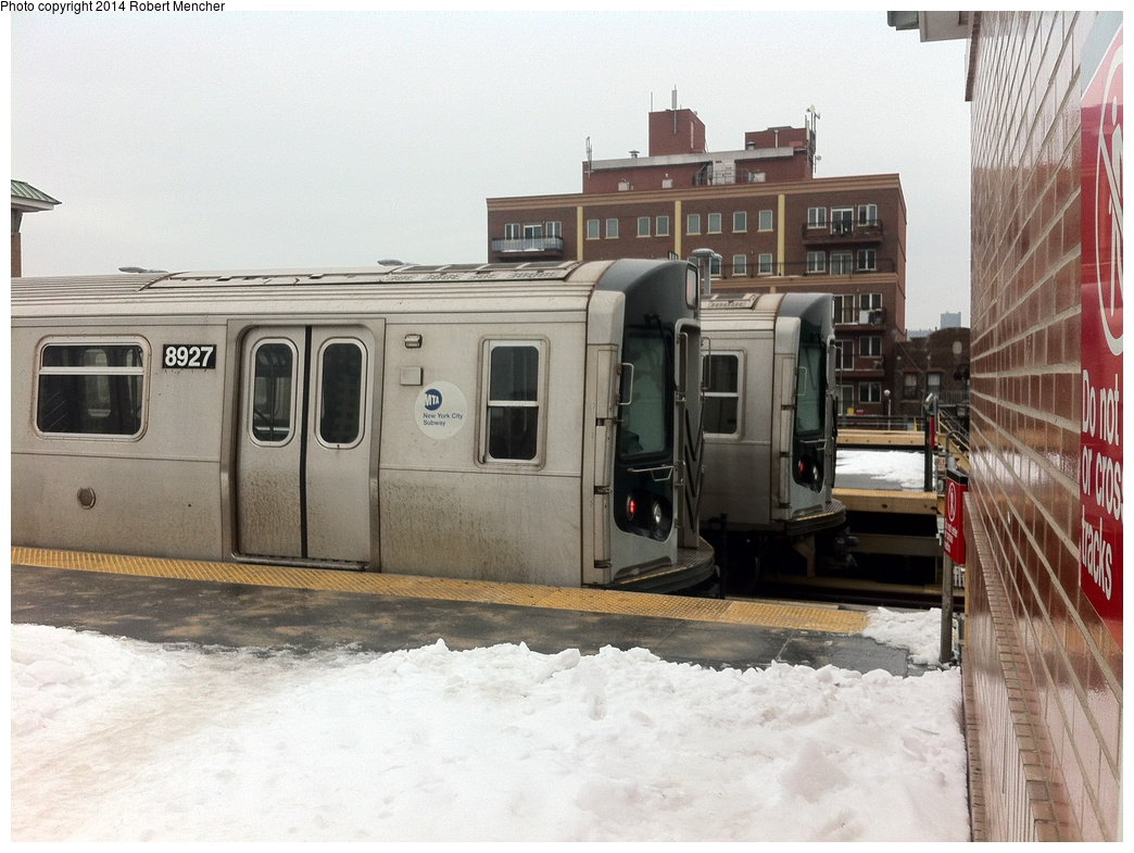 (313k, 1044x785)<br><b>Country:</b> United States<br><b>City:</b> New York<br><b>System:</b> New York City Transit<br><b>Location:</b> Coney Island/Stillwell Avenue<br><b>Car:</b> R-160B (Kawasaki, 2005-2008)  8927 <br><b>Photo by:</b> Robert Mencher<br><b>Date:</b> 1/5/2014<br><b>Viewed (this week/total):</b> 0 / 736