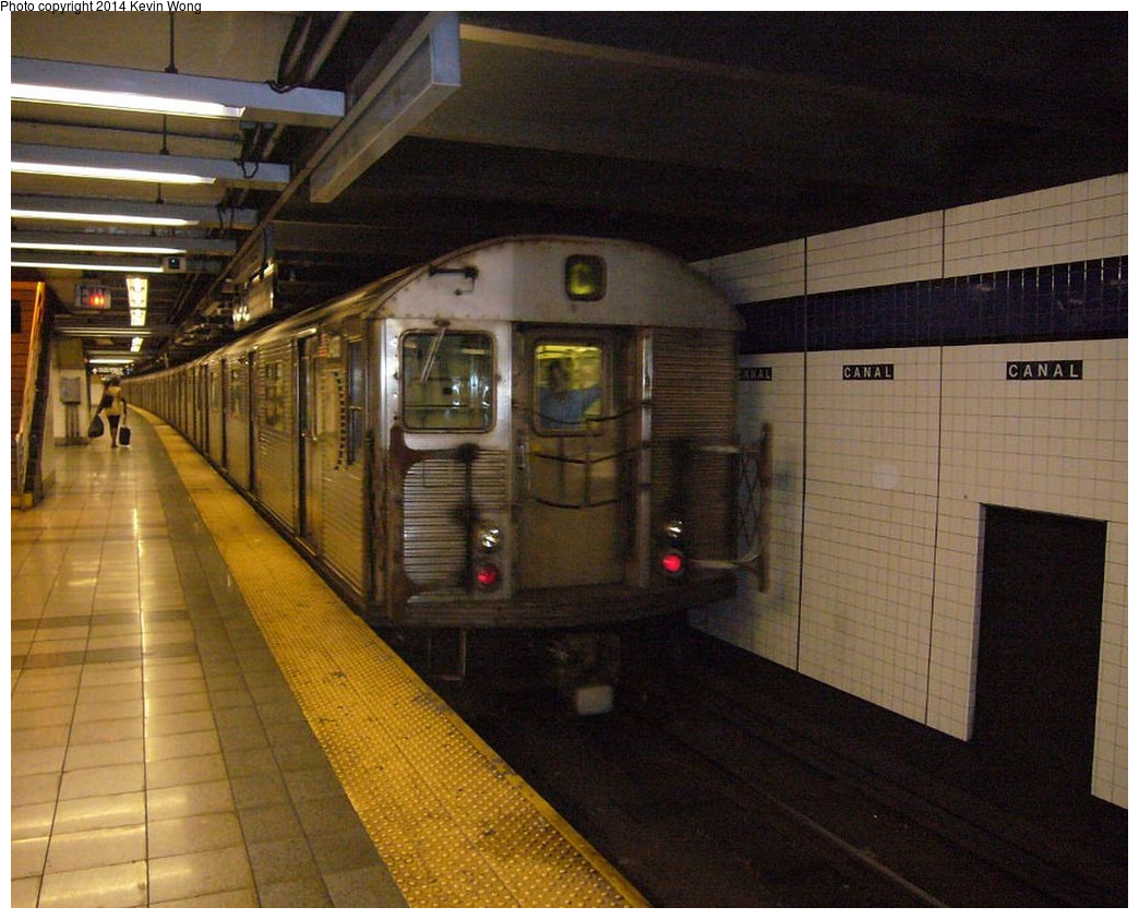 (360k, 1044x842)<br><b>Country:</b> United States<br><b>City:</b> New York<br><b>System:</b> New York City Transit<br><b>Line:</b> IND 8th Avenue Line<br><b>Location:</b> Canal Street-Holland Tunnel <br><b>Route:</b> C<br><b>Car:</b> R-32 (Budd, 1964)  3488 <br><b>Photo by:</b> Kevin Wong<br><b>Date:</b> 6/11/2007<br><b>Viewed (this week/total):</b> 4 / 845