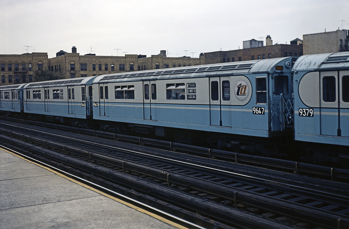 (351k, 1044x717)<br><b>Country:</b> United States<br><b>City:</b> New York<br><b>System:</b> New York City Transit<br><b>Line:</b> IRT Flushing Line<br><b>Location:</b> 90th Street/Elmhurst Avenue <br><b>Route:</b> 7<br><b>Car:</b> R-36 World's Fair (St. Louis, 1963-64) 9647 <br><b>Collection of:</b> David Pirmann<br><b>Viewed (this week/total):</b> 4 / 551