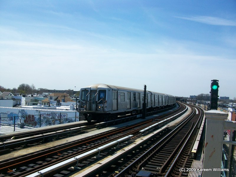 (112k, 800x600)<br><b>Country:</b> United States<br><b>City:</b> New York<br><b>System:</b> New York City Transit<br><b>Line:</b> IND Fulton Street Line<br><b>Location:</b> 104th Street/Oxford Ave. <br><b>Route:</b> A<br><b>Car:</b> R-40 (St. Louis, 1968)  4342 <br><b>Photo by:</b> Kareem Williams<br><b>Date:</b> 4/13/2009<br><b>Viewed (this week/total):</b> 1 / 478