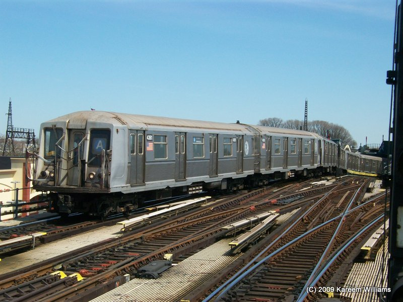 (119k, 800x600)<br><b>Country:</b> United States<br><b>City:</b> New York<br><b>System:</b> New York City Transit<br><b>Line:</b> IND Fulton Street Line<br><b>Location:</b> Rockaway Boulevard <br><b>Route:</b> A<br><b>Car:</b> R-40 (St. Louis, 1968)  4361 <br><b>Photo by:</b> Kareem Williams<br><b>Date:</b> 4/13/2009<br><b>Viewed (this week/total):</b> 3 / 588
