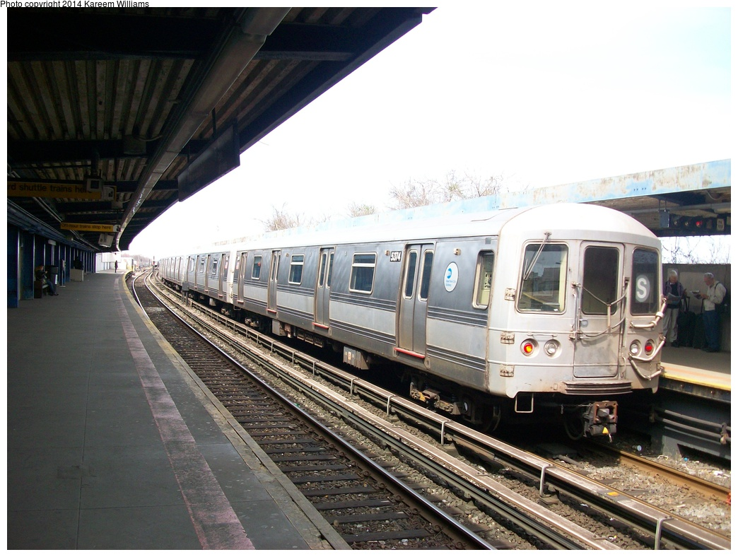 (316k, 1044x788)<br><b>Country:</b> United States<br><b>City:</b> New York<br><b>System:</b> New York City Transit<br><b>Line:</b> IND Rockaway<br><b>Location:</b> Broad Channel <br><b>Route:</b> S<br><b>Car:</b> R-44 (St. Louis, 1971-73) 5374 <br><b>Photo by:</b> Kareem Williams<br><b>Date:</b> 4/13/2009<br><b>Viewed (this week/total):</b> 1 / 158