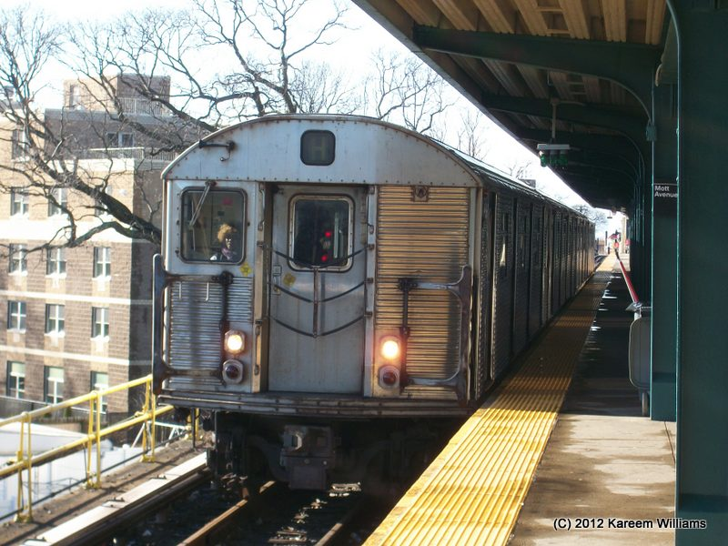 (119k, 800x600)<br><b>Country:</b> United States<br><b>City:</b> New York<br><b>System:</b> New York City Transit<br><b>Line:</b> IND Rockaway<br><b>Location:</b> Mott Avenue/Far Rockaway <br><b>Route:</b> S<br><b>Car:</b> R-32 (Budd, 1964)  3395 <br><b>Photo by:</b> Kareem Williams<br><b>Date:</b> 12/20/2012<br><b>Viewed (this week/total):</b> 3 / 557