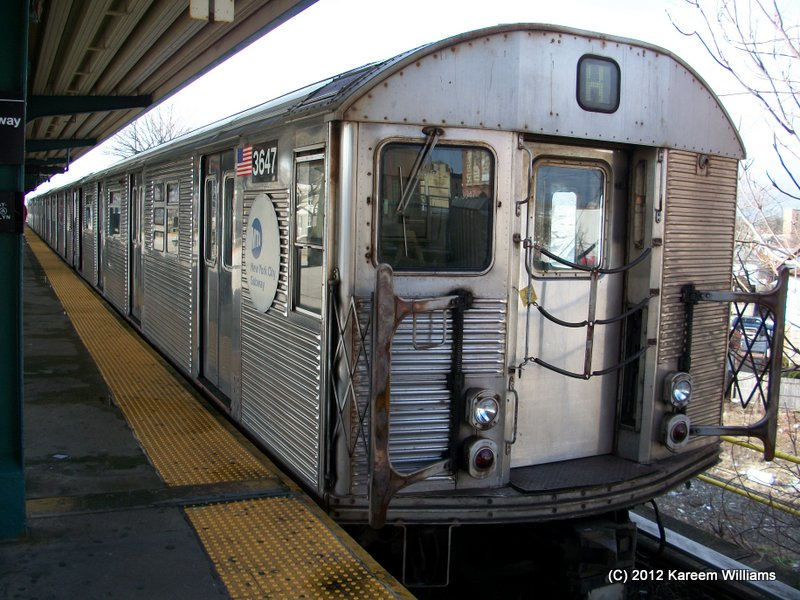 (131k, 800x600)<br><b>Country:</b> United States<br><b>City:</b> New York<br><b>System:</b> New York City Transit<br><b>Line:</b> IND Rockaway<br><b>Location:</b> Mott Avenue/Far Rockaway <br><b>Route:</b> S<br><b>Car:</b> R-32 (Budd, 1964)  3647 <br><b>Photo by:</b> Kareem Williams<br><b>Date:</b> 12/20/2012<br><b>Viewed (this week/total):</b> 1 / 429