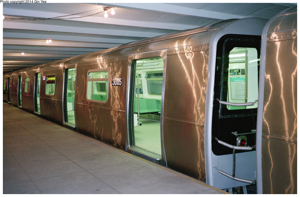 (361k, 1044x685)<br><b>Country:</b> United States<br><b>City:</b> New York<br><b>System:</b> New York City Transit<br><b>Location:</b> New York Transit Museum<br><b>Car:</b> R-110B (Bombardier, 1992) 3005 <br><b>Photo by:</b> Gin Yee<br><b>Date:</b> 11/1992<br><b>Viewed (this week/total):</b> 4 / 416