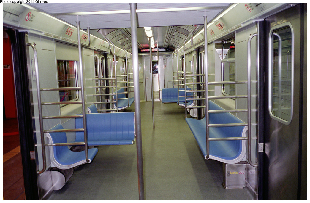 (362k, 1044x686)<br><b>Country:</b> United States<br><b>City:</b> New York<br><b>System:</b> New York City Transit<br><b>Location:</b> New York Transit Museum<br><b>Car:</b> R-110A (Kawasaki, 1992) 8006 <br><b>Photo by:</b> Gin Yee<br><b>Date:</b> 11/1992<br><b>Viewed (this week/total):</b> 0 / 378