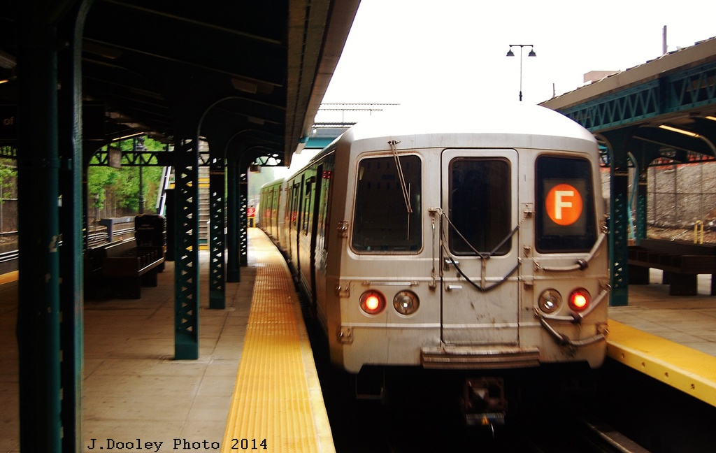 (247k, 1024x648)<br><b>Country:</b> United States<br><b>City:</b> New York<br><b>System:</b> New York City Transit<br><b>Line:</b> BMT West End Line<br><b>Location:</b> 9th Avenue <br><b>Route:</b> F reroute<br><b>Car:</b> R-46 (Pullman-Standard, 1974-75)  <br><b>Photo by:</b> John Dooley<br><b>Date:</b> 5/8/2014<br><b>Viewed (this week/total):</b> 4 / 391