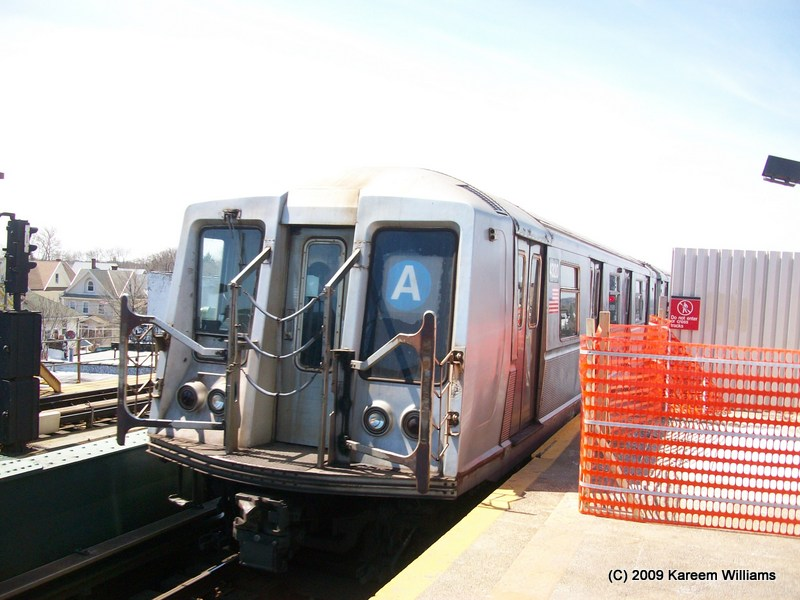 (117k, 800x600)<br><b>Country:</b> United States<br><b>City:</b> New York<br><b>System:</b> New York City Transit<br><b>Line:</b> IND Fulton Street Line<br><b>Location:</b> Rockaway Boulevard <br><b>Route:</b> A<br><b>Car:</b> R-40 (St. Louis, 1968)  4361 <br><b>Photo by:</b> Kareem Williams<br><b>Date:</b> 4/13/2009<br><b>Viewed (this week/total):</b> 3 / 231
