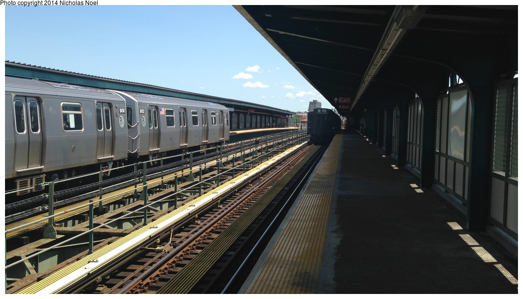(233k, 1044x596)<br><b>Country:</b> United States<br><b>City:</b> New York<br><b>System:</b> New York City Transit<br><b>Line:</b> BMT Myrtle Avenue Line<br><b>Location:</b> Central Avenue <br><b>Route:</b> M<br><b>Car:</b> R-160A-1 (Alstom, 2005-2008, 4 car sets)  8413 <br><b>Photo by:</b> Nicholas Noel<br><b>Date:</b> 6/7/2014<br><b>Viewed (this week/total):</b> 3 / 566