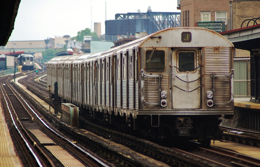(348k, 1024x657)<br><b>Country:</b> United States<br><b>City:</b> New York<br><b>System:</b> New York City Transit<br><b>Line:</b> BMT Nassau Street/Jamaica Line<br><b>Location:</b> Lorimer Street <br><b>Route:</b> J<br><b>Car:</b> R-32 (Budd, 1964)  3424 <br><b>Photo by:</b> John Dooley<br><b>Date:</b> 6/9/2014<br><b>Viewed (this week/total):</b> 1 / 793