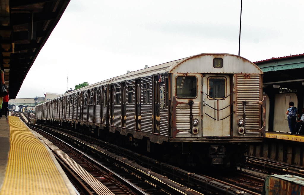(298k, 1024x657)<br><b>Country:</b> United States<br><b>City:</b> New York<br><b>System:</b> New York City Transit<br><b>Line:</b> BMT Nassau Street/Jamaica Line<br><b>Location:</b> Halsey Street <br><b>Route:</b> J<br><b>Car:</b> R-32 (Budd, 1964)  3773 <br><b>Photo by:</b> John Dooley<br><b>Date:</b> 6/9/2014<br><b>Viewed (this week/total):</b> 3 / 55