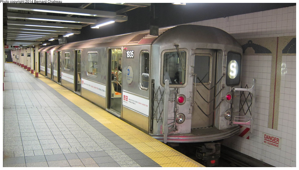 (262k, 1044x595)<br><b>Country:</b> United States<br><b>City:</b> New York<br><b>System:</b> New York City Transit<br><b>Line:</b> IRT Times Square-Grand Central Shuttle<br><b>Location:</b> Grand Central <br><b>Route:</b> S<br><b>Car:</b> R-62A (Bombardier, 1984-1987)  1935 <br><b>Photo by:</b> Bernard Chatreau<br><b>Date:</b> 10/10/2011<br><b>Viewed (this week/total):</b> 5 / 91